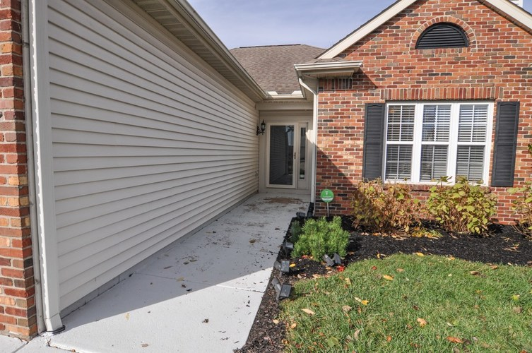 3314 Crosspoint Court South Lafayette, IN 47909 | MLS 201948329 | photo 2