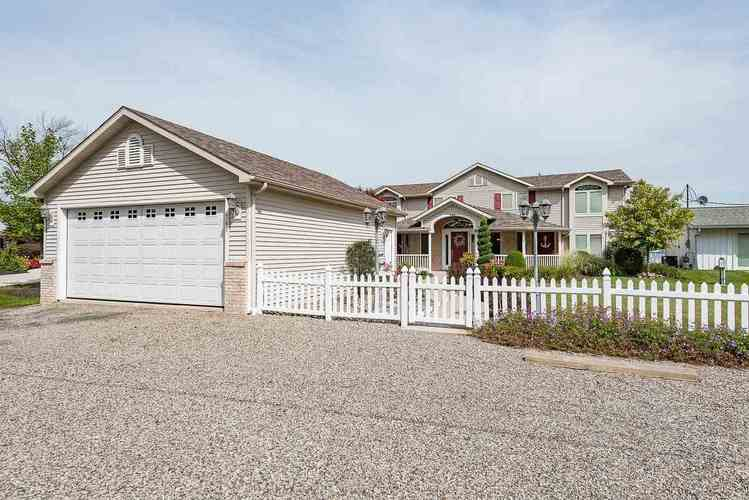 746 S Clear Lake Drive S Fremont, IN 46737 | MLS 201948512 | photo 2