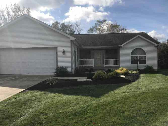 812 S Walnut Drive S North Webster, IN 46555 | MLS 201948630 | photo 1