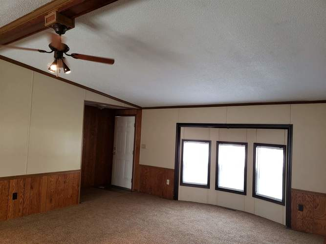 52816 New York Drive Middlebury, IN 46540-9418   MLS 201948744   photo 17