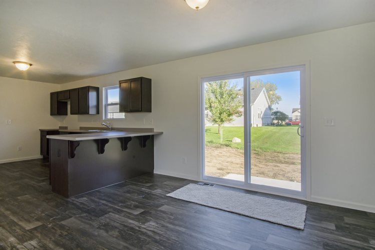 4407 Cherry Pointe Drive South Bend, IN 46628 | MLS 201948807 | photo 6