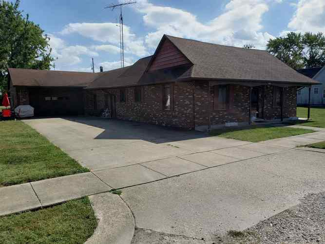 237 S Edward Street Worthington, IN 47471 | MLS 201948827