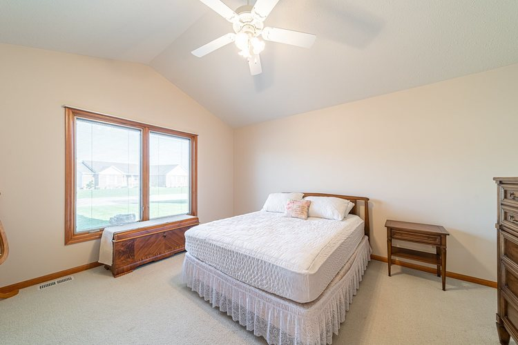 25998 Summer Berry Lane South Bend, IN 46619 | MLS 201948828 | photo 10