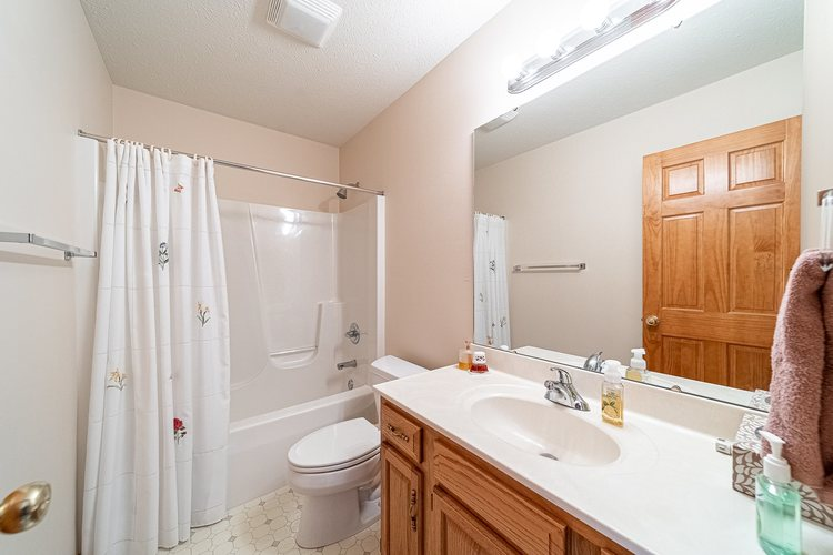25998 Summer Berry Lane South Bend, IN 46619 | MLS 201948828 | photo 15
