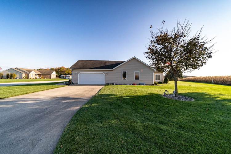 25998 Summer Berry Lane South Bend, IN 46619 | MLS 201948828 | photo 2