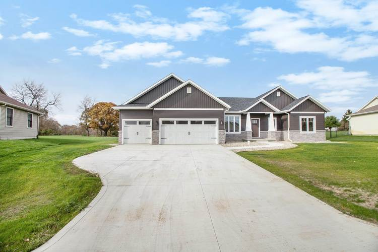 56113  Farm House Drive  Middlebury, IN 46540 | MLS 201948908
