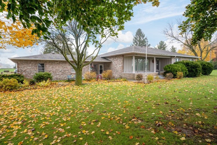 2489  County Road 13  Corunna, IN 46730 | MLS 201949100