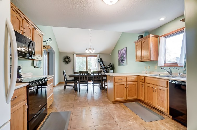 2012 Millenium Crossing Fort Wayne, IN 46845 | MLS 201949149 | photo 10