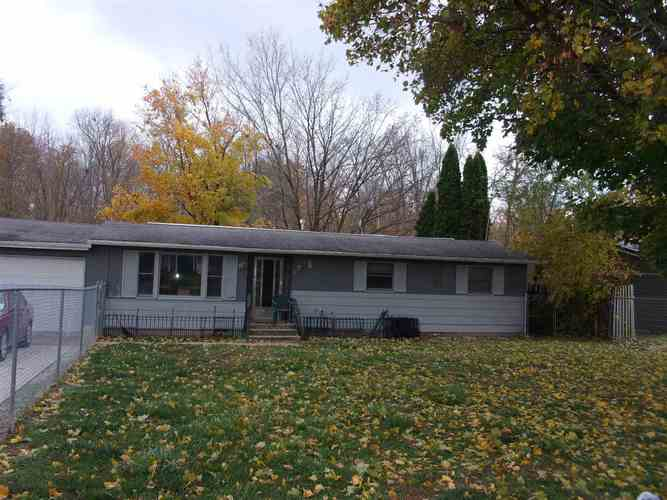 11427 N Wawasee Drive Syracuse, IN 46567 | MLS 201949239