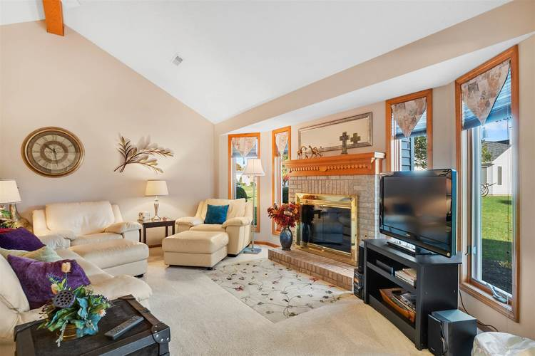 8713 Edwardsberg Place New Haven, IN 46774 | MLS 201949242 | photo 3