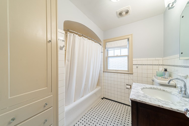 1325 McKinley Avenue South Bend, IN 46617 | MLS 201949319 | photo 11