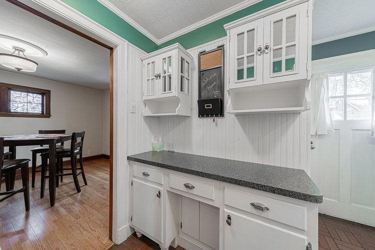 1325 McKinley Avenue South Bend, IN 46617 | MLS 201949319 | photo 8