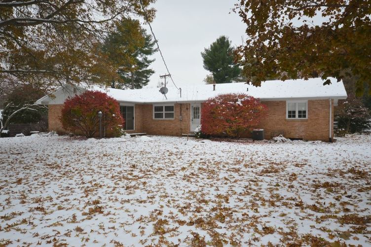 52836 Swanson Drive South Bend, IN 46635 | MLS 201949894 | photo 2