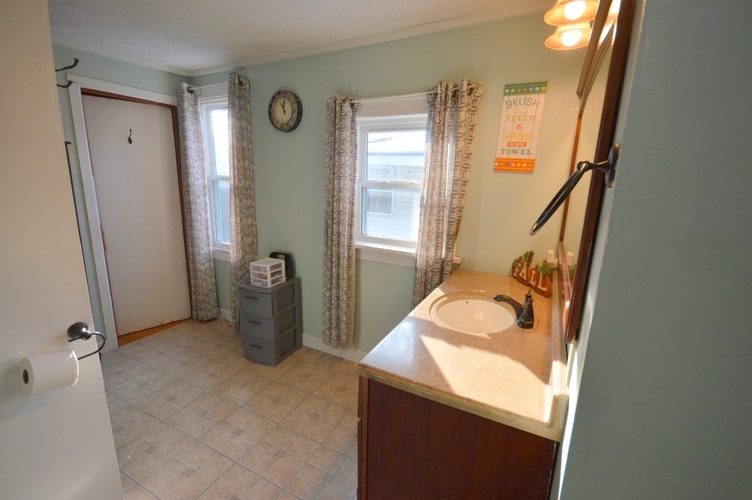 602 S 36th Street S South Bend, IN 46615-2412 | MLS 201949999 | photo 20