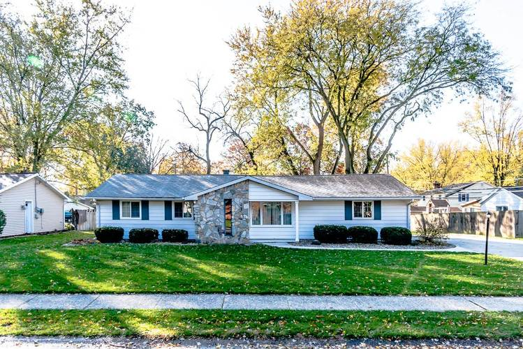 6816  Forestwood Drive Fort Wayne, IN 46815-7718 | MLS 201950196