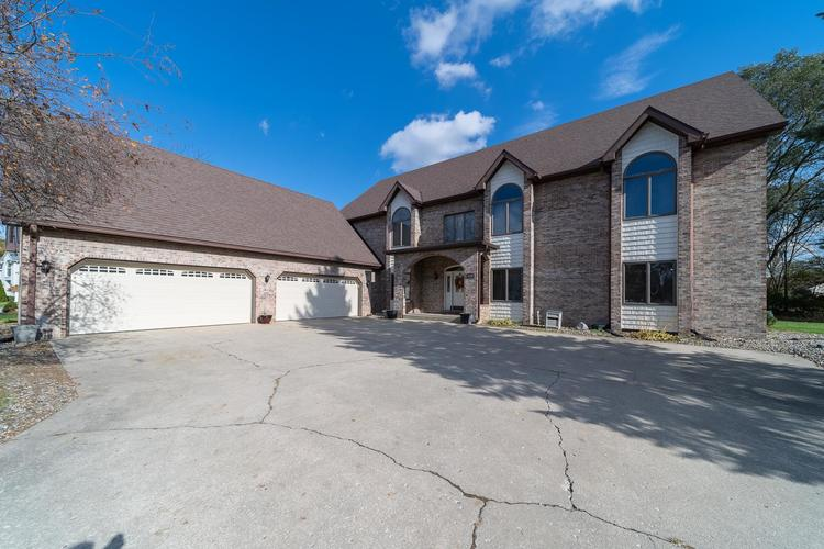 1610 Evergreen Place Elkhart IN 46514 | MLS 201950362 | photo 1