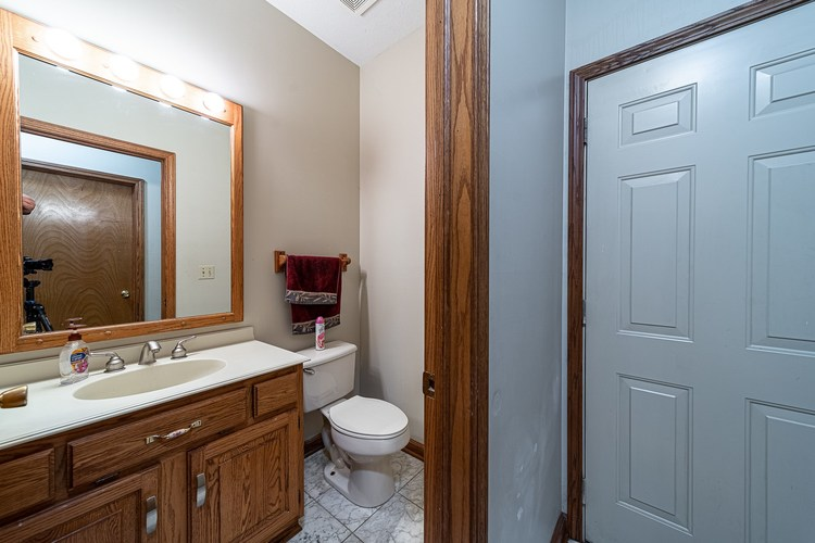 1610 Evergreen Place Elkhart IN 46514 | MLS 201950362 | photo 11
