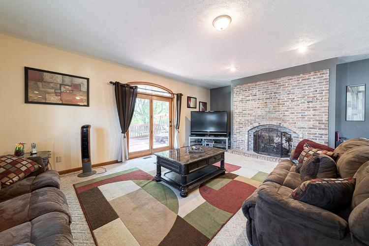 1610 Evergreen Place Elkhart IN 46514 | MLS 201950362 | photo 12