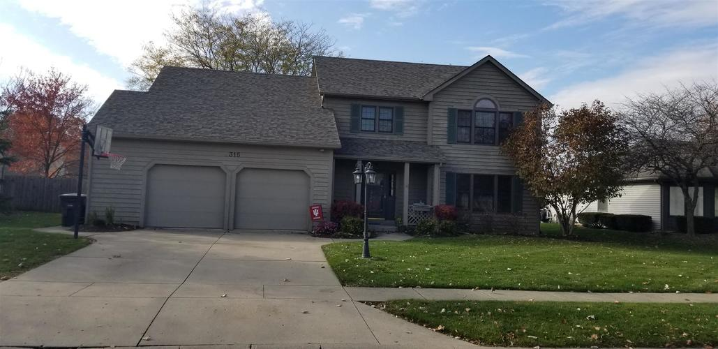 8315 Hunters knoll Place Place Fort Wayne, IN 46825 | MLS 201950476 | photo 2