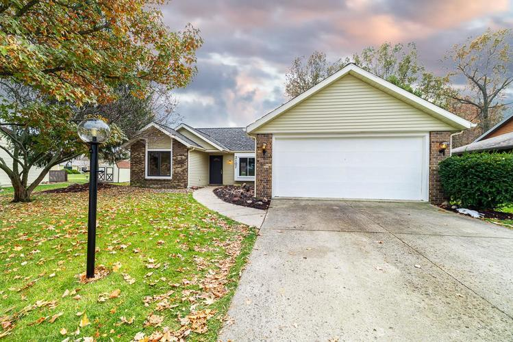 2107 Lima Valley Drive Fort Wayne, IN 46818-2125   MLS 201950631   photo 2