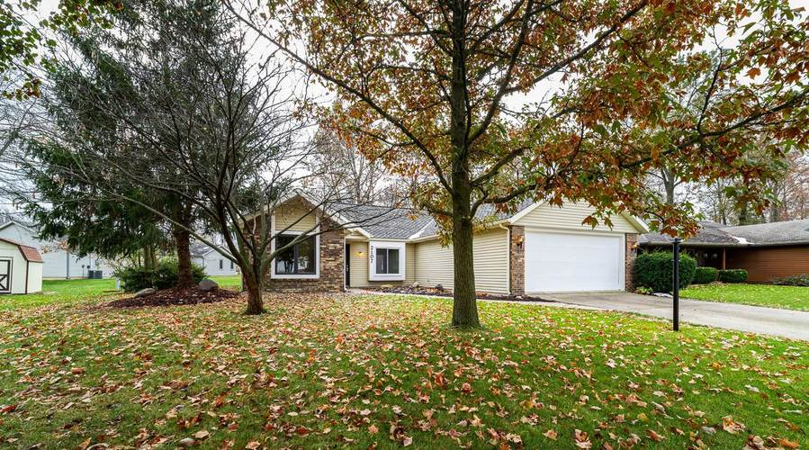2107 Lima Valley Drive Fort Wayne, IN 46818-2125   MLS 201950631   photo 3