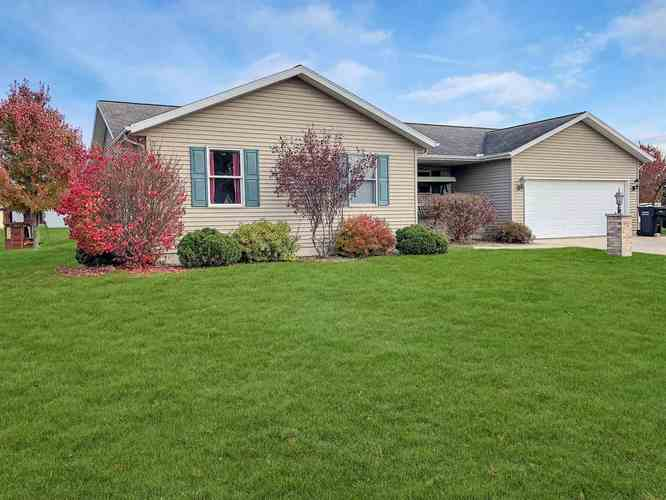 306 Alexis Drive Milford, IN 46542   MLS 201950758   photo 1