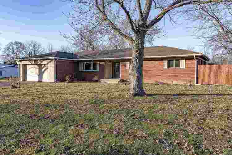 621 Marcelle Drive Fort Wayne, IN 46845-1133 | MLS 201950897 | photo 2