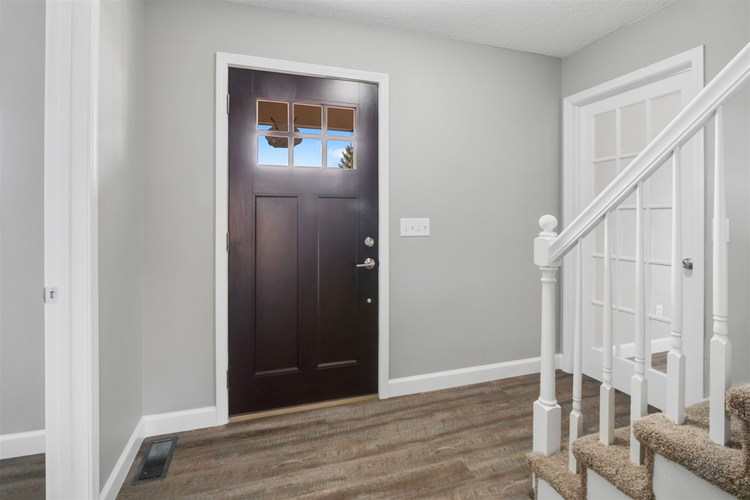 9501 Iroquois Trace New Haven, IN 46774-2912 | MLS 201951004 | photo 2