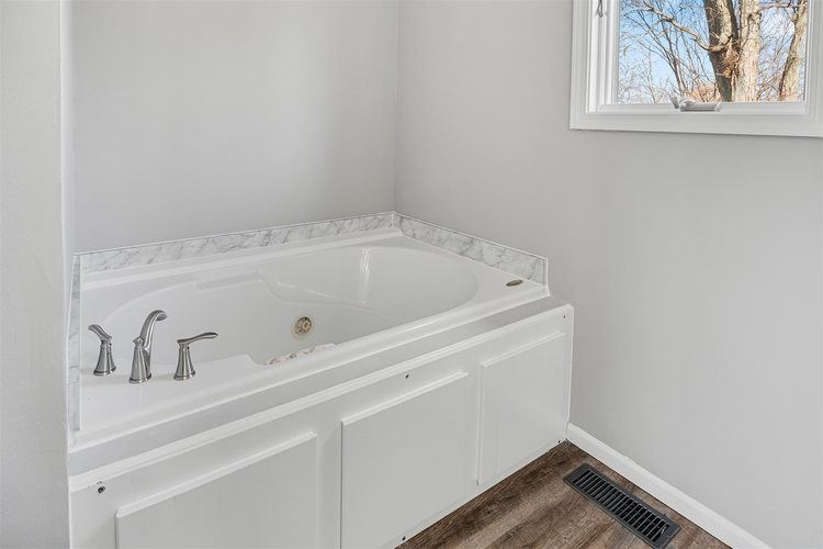 9501 Iroquois Trace New Haven, IN 46774-2912 | MLS 201951004 | photo 21
