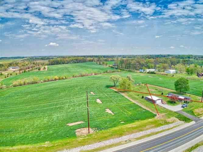 2496 New Harmony Road Boonville, IN 47601 | MLS 201951238 | photo 2