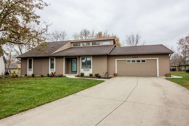 11909 Willowind Court Fort Wayne, IN 46845 | MLS 201951289 | photo 1