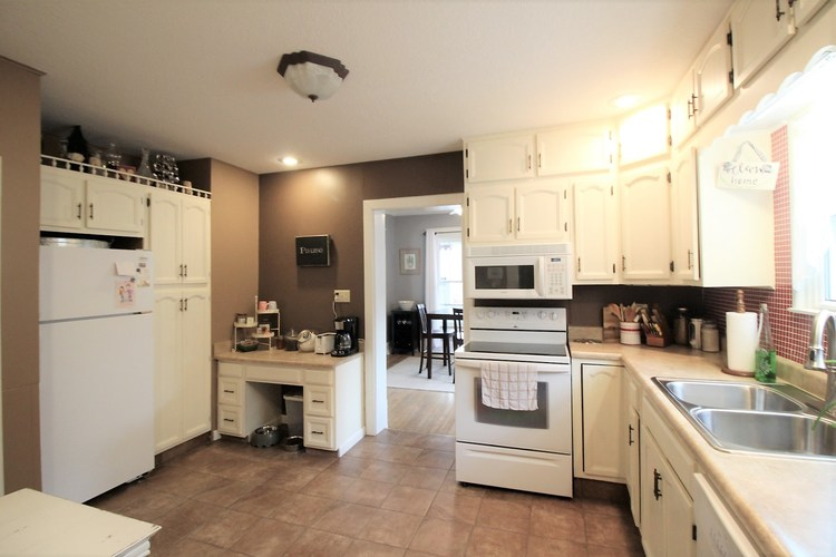 1108 W Spencer Avenue W Marion, IN 46952-3418 | MLS 201951390 | photo 8