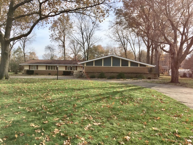 15640  Windingbrook Drive Mishawaka, IN 46545-1547 | MLS 201951402
