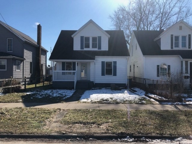 915 E Lawrence Street E Mishawaka, IN 46545 | MLS 201951509 | photo 1