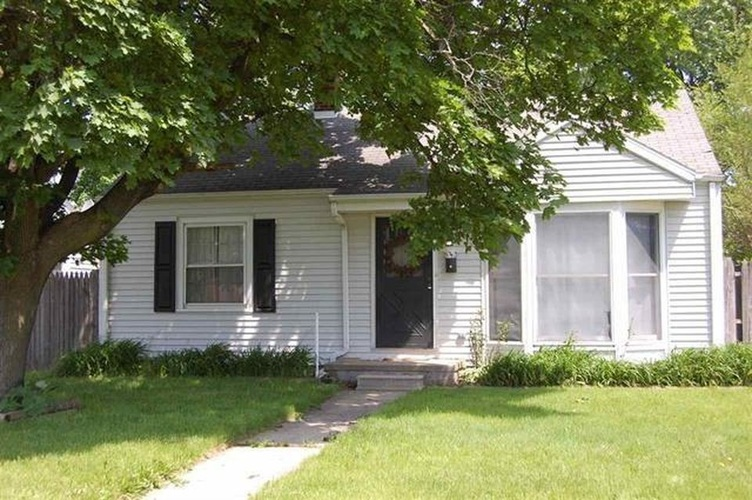 1425  Mishawaka Avenue South Bend, IN 46615-1212 | MLS 201951872