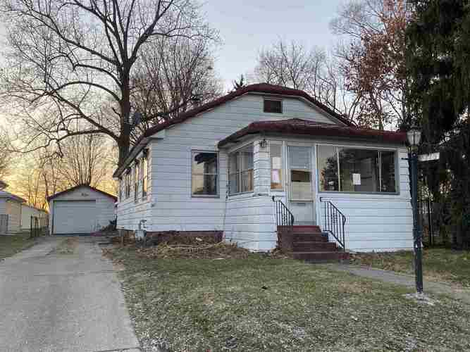 1313 Elliott Street South Bend, IN 46628 | MLS 201952285 | photo 1