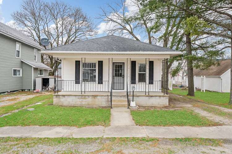 308 S Main St S South Whitley, IN 46787 | MLS 201952506 | photo 1