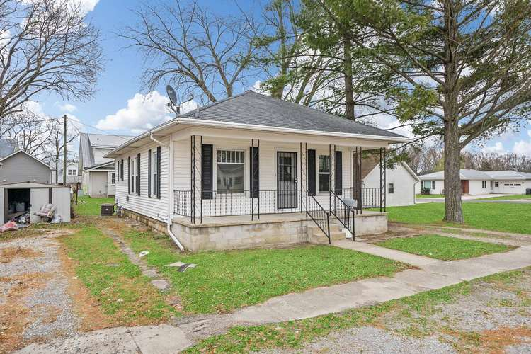 308 S Main St S South Whitley, IN 46787 | MLS 201952506 | photo 2
