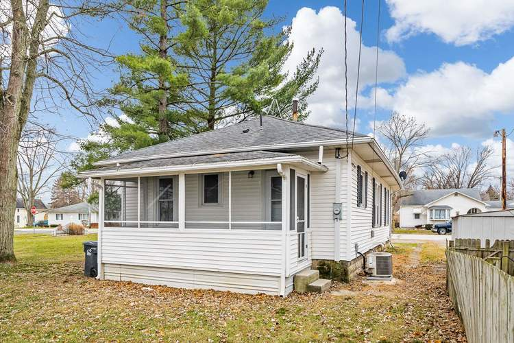 308 S Main St S South Whitley, IN 46787 | MLS 201952506 | photo 5