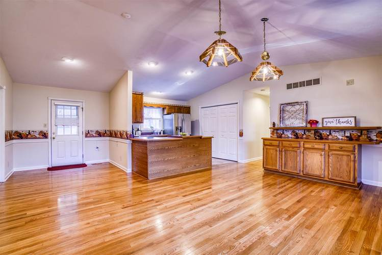 599 W New Hope Road W Boonville, IN 47601 | MLS 201953101 | photo 10