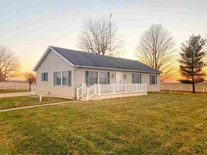 8270 E State Road 120  Howe, IN 46746 | MLS 201953200