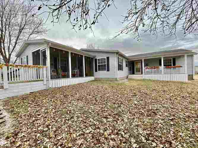 800 Lost Trail Lane Boonville IN 47601 | MLS 201953289 | photo 1