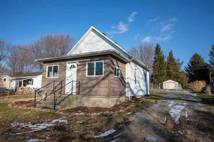 513 N Maple Street Argos, IN 46501 | MLS 201953317
