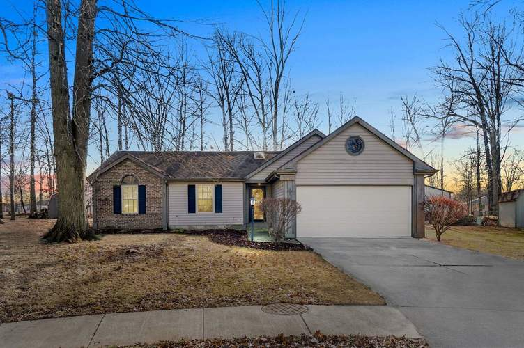 8002 Charnell Court Fort Wayne, IN 46818-1884   MLS 201953522   photo 1