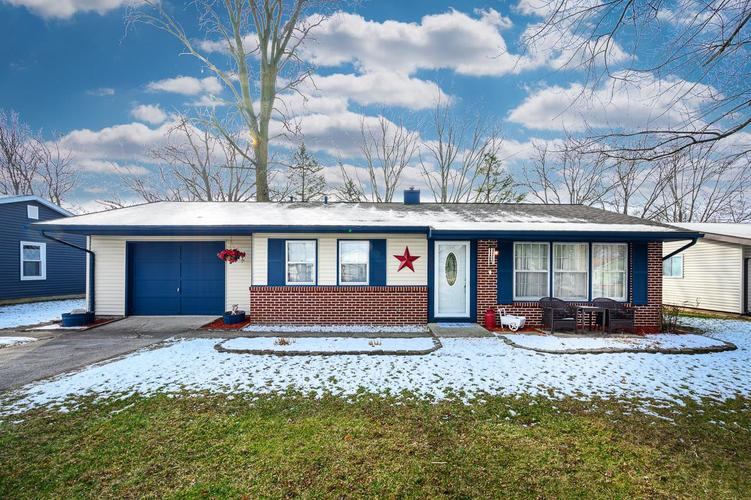5402 Rothermere Drive Fort Wayne, IN 46835-1150 | MLS 201953540 | photo 1