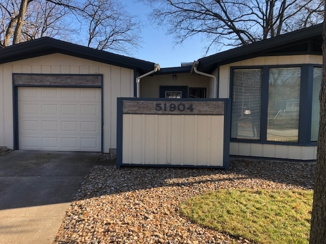 51904 Downey Street Street Elkhart, IN 46514 | MLS 201953639 | photo 2