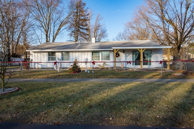 3221  Corby Boulevard South Bend, IN 46615-3624   MLS 201953697
