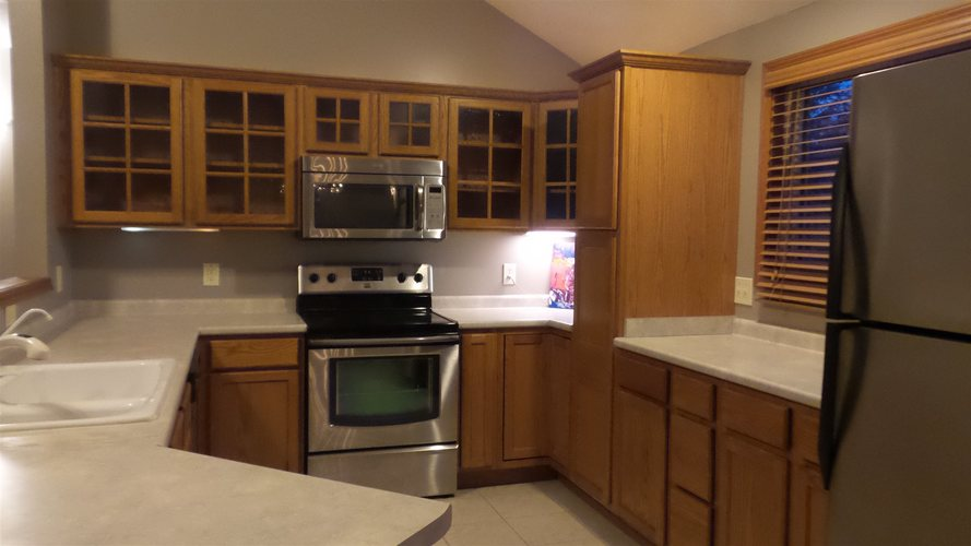 1129 Thornwillow Court Huntertown, IN 46748 | MLS 202000111 | photo 2