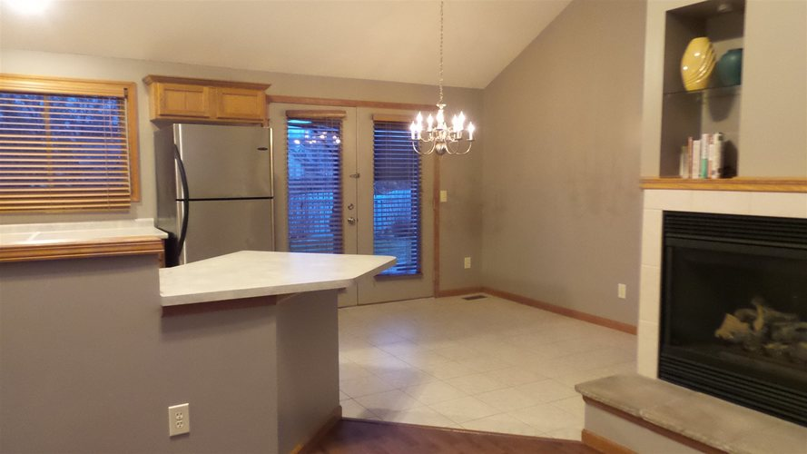 1129 Thornwillow Court Huntertown, IN 46748 | MLS 202000111 | photo 4