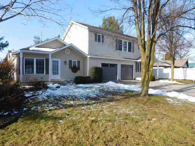 1411 S Harkless Drive Syracuse, IN 46567 | MLS 202000259